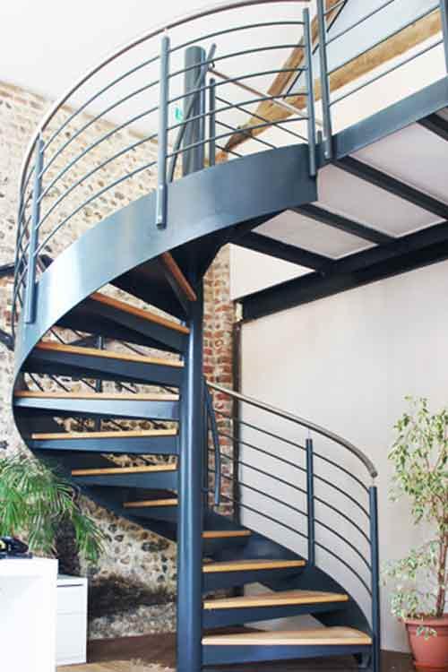 پله آهنی گرد